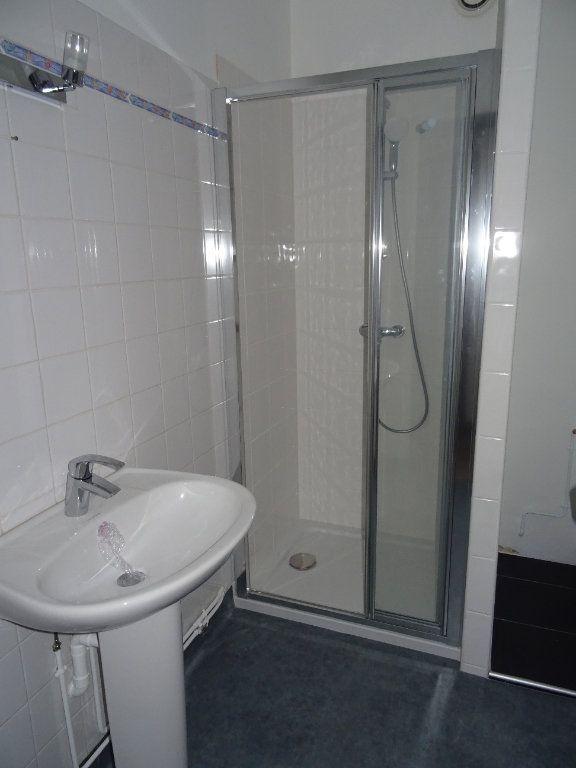 Appartement à louer 2 50m2 à Nogent-le-Rotrou vignette-3