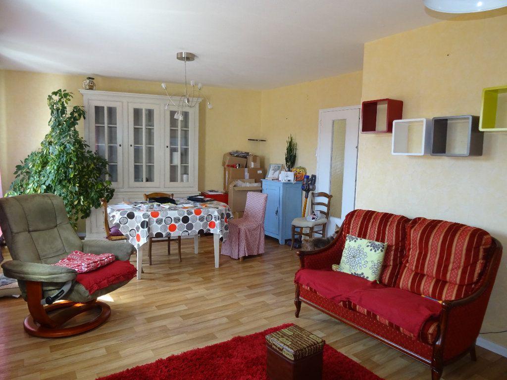Appartement à louer 3 71m2 à Nogent-le-Rotrou vignette-9