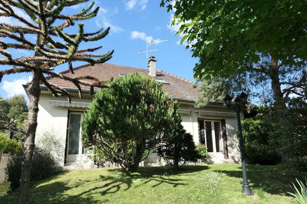 Maison à vendre 6 120m2 à La Frette-sur-Seine vignette-1