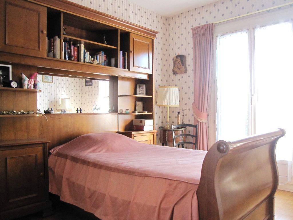 Maison à vendre 6 120m2 à La Frette-sur-Seine vignette-6