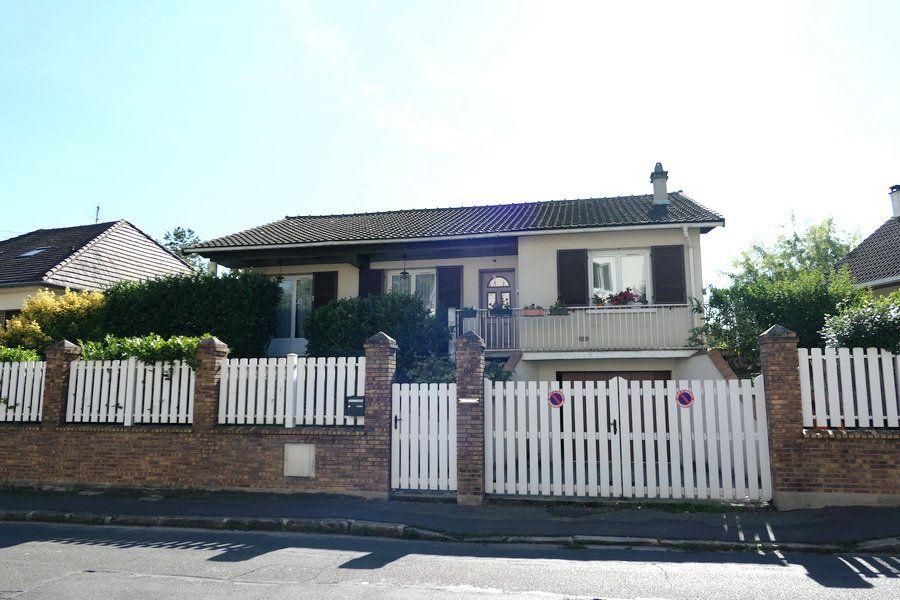 Maison à vendre 5 90.5m2 à La Frette-sur-Seine vignette-1
