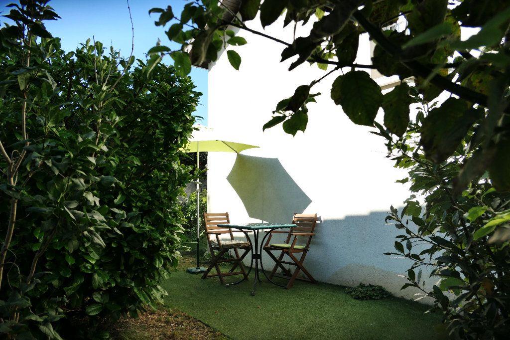 Maison à vendre 5 90.5m2 à La Frette-sur-Seine vignette-11
