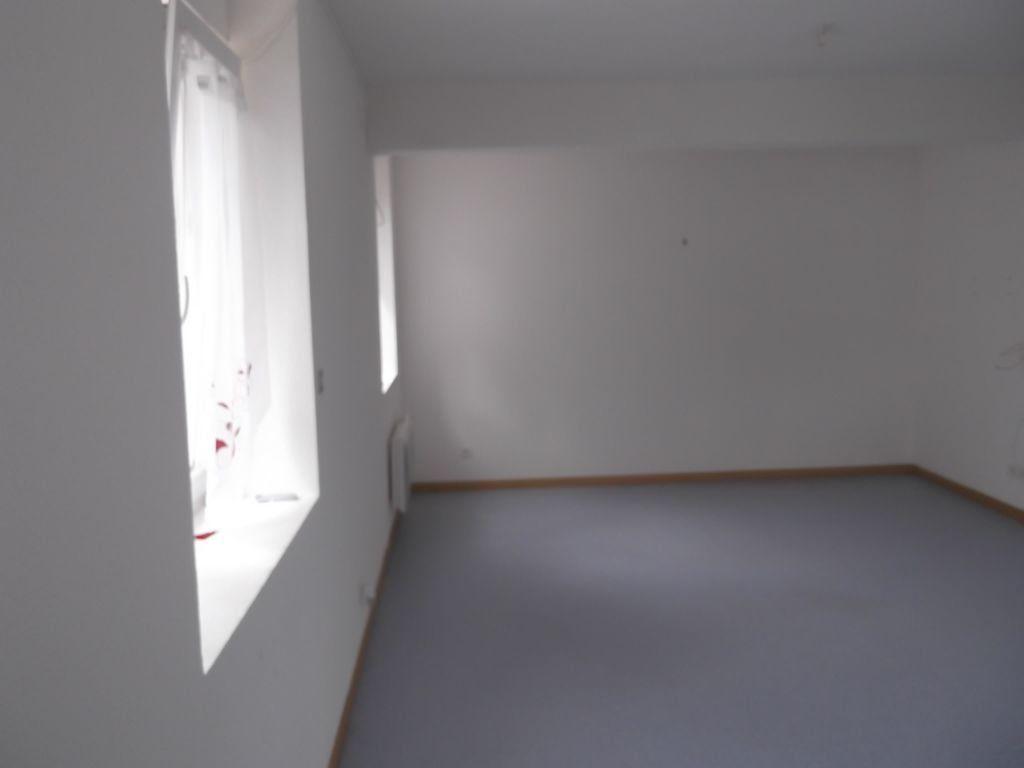 Appartement à louer 2 62m2 à Les Souhesmes-Rampont vignette-2