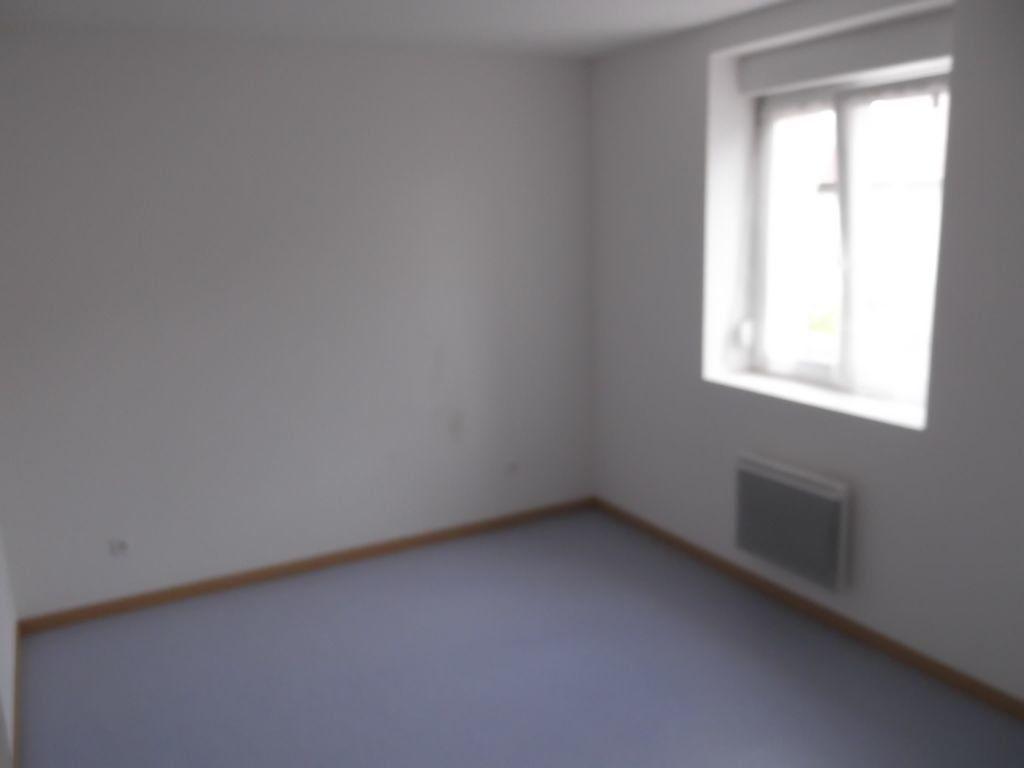 Appartement à louer 2 62m2 à Les Souhesmes-Rampont vignette-3