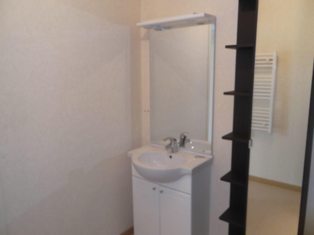 Appartement à louer 2 62m2 à Les Souhesmes-Rampont vignette-5