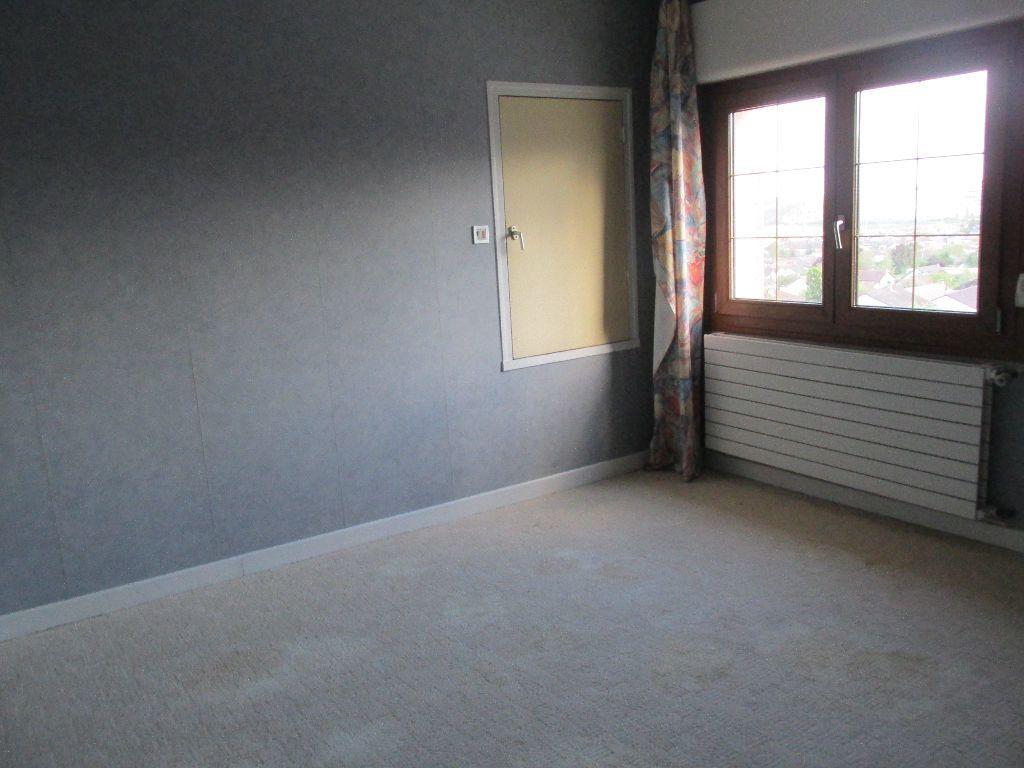 Maison à vendre 8 220m2 à Dugny-sur-Meuse vignette-10