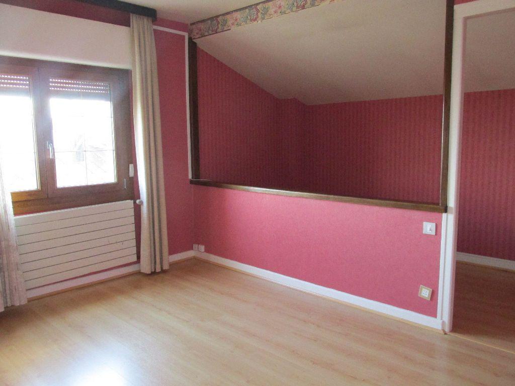 Maison à vendre 8 220m2 à Dugny-sur-Meuse vignette-11