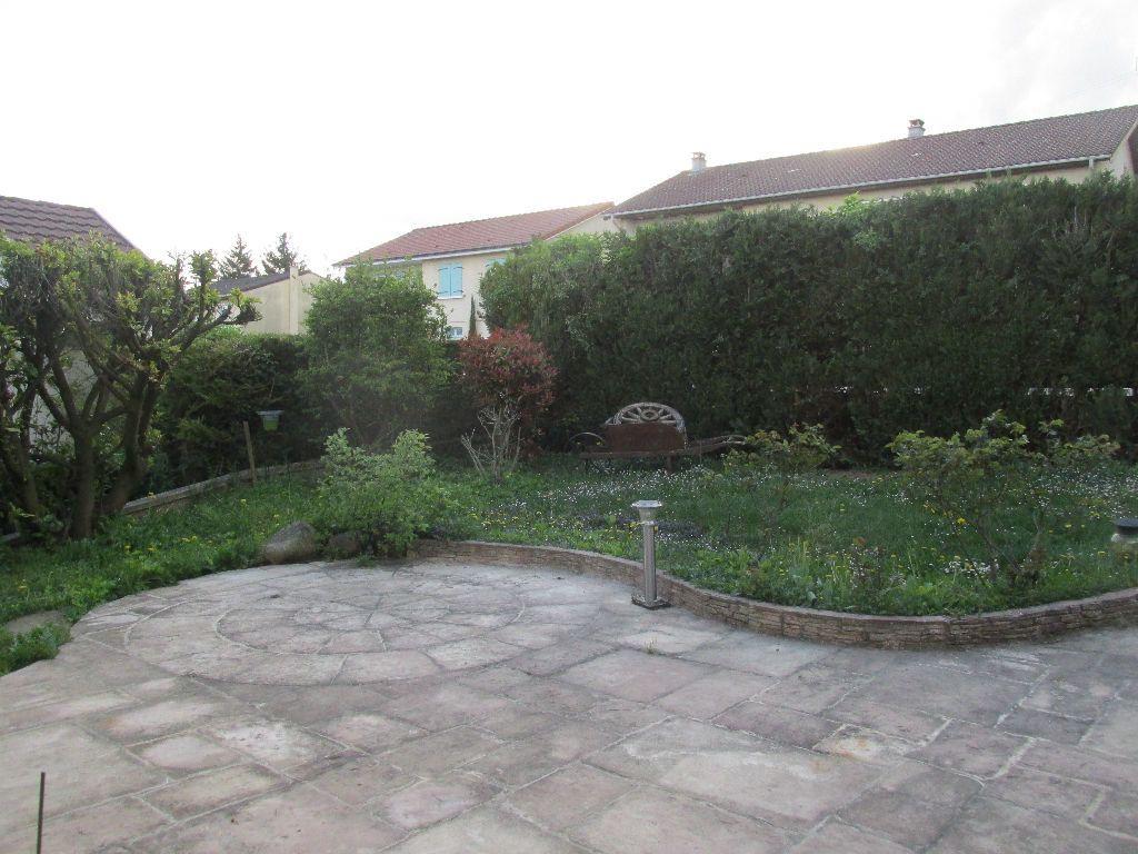 Maison à vendre 8 220m2 à Dugny-sur-Meuse vignette-13