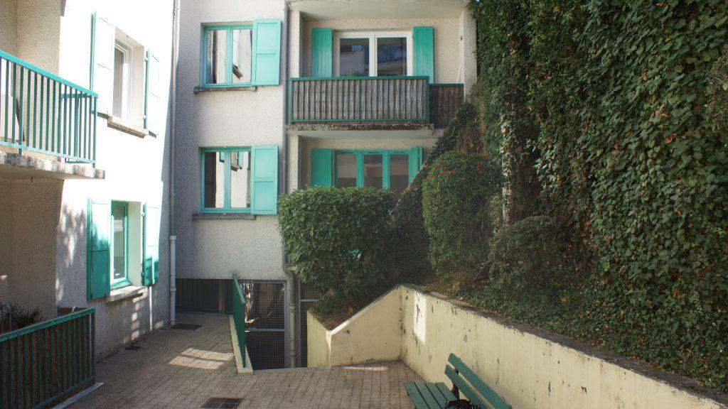 Appartement à vendre 6 108m2 à Verdun vignette-2