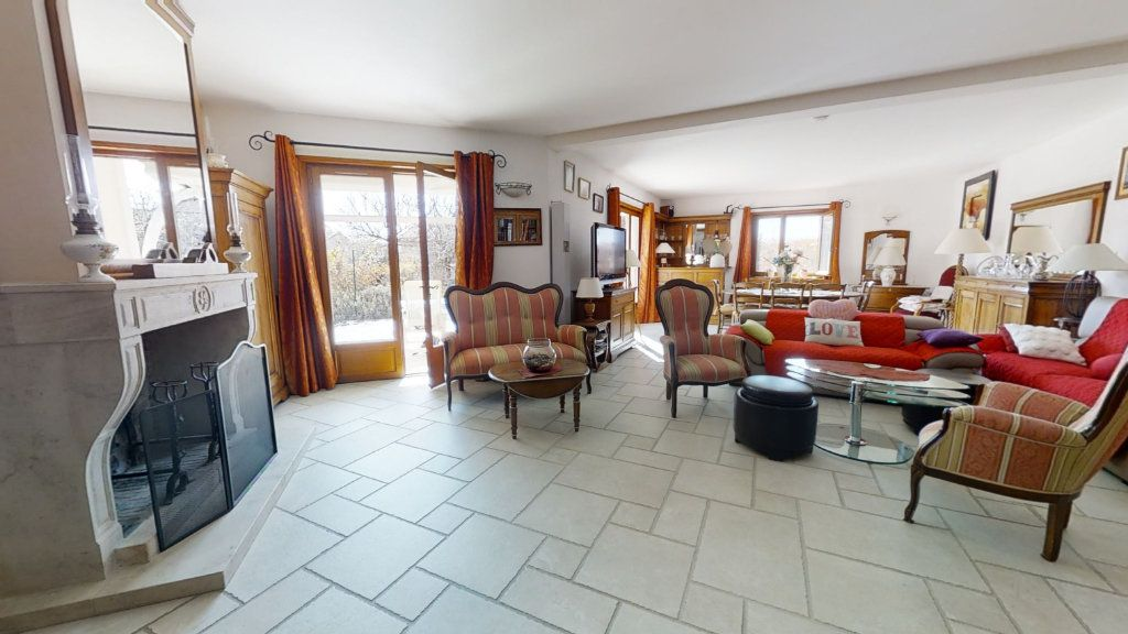 Maison à vendre 6 196m2 à Le Coteau vignette-1