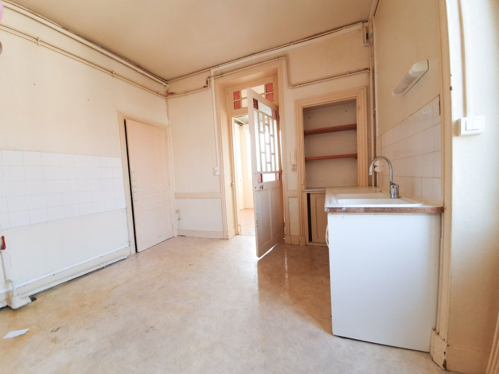 Appartement à louer 4 90m2 à Roanne vignette-2