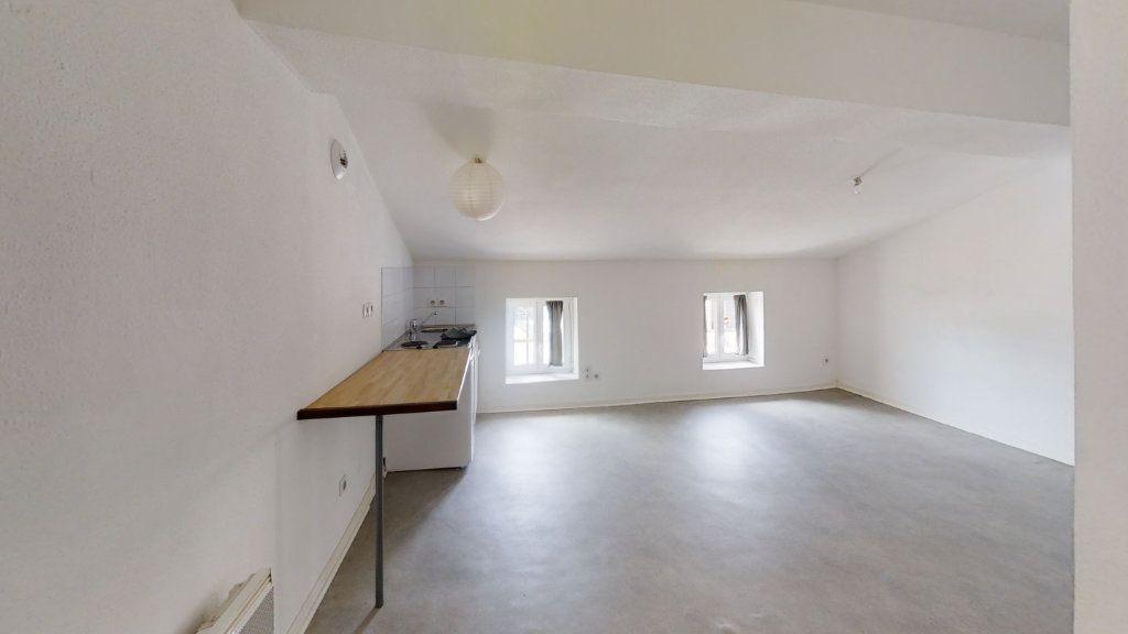 Appartement à louer 1 22m2 à Roanne vignette-1
