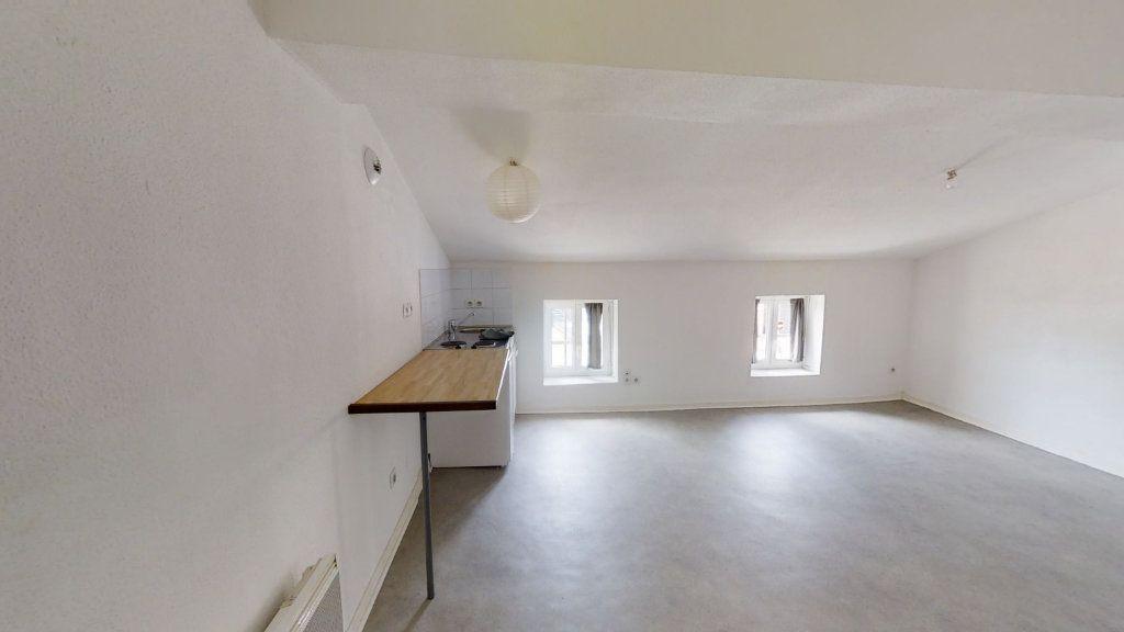 Appartement à louer 1 22m2 à Roanne vignette-3
