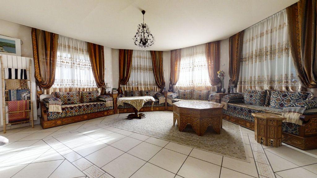 Maison à vendre 6 184m2 à Pouilly-sous-Charlieu vignette-3