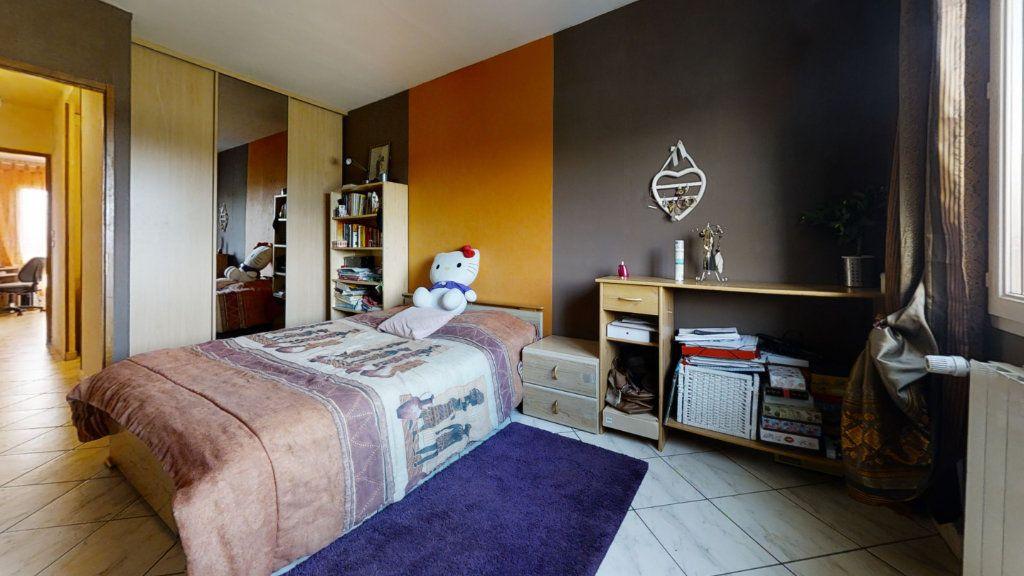 Maison à vendre 6 184m2 à Pouilly-sous-Charlieu vignette-7