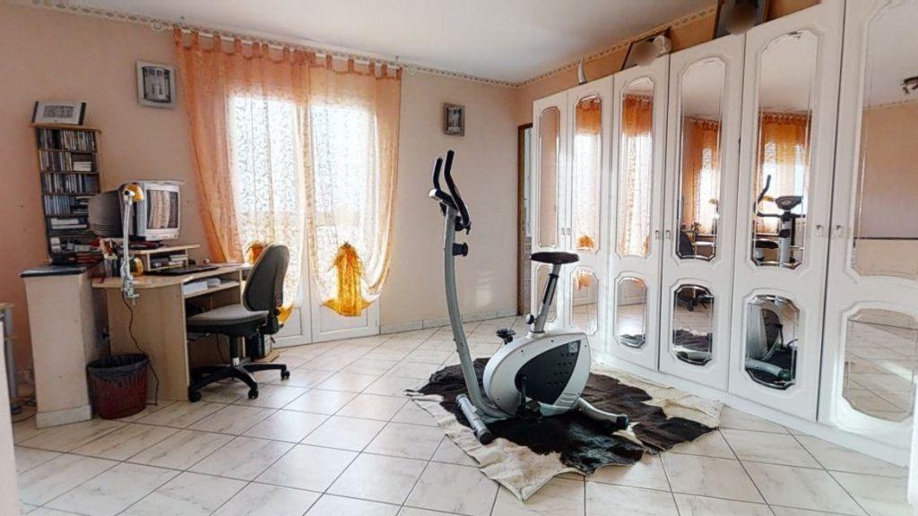 Maison à vendre 6 184m2 à Pouilly-sous-Charlieu vignette-8