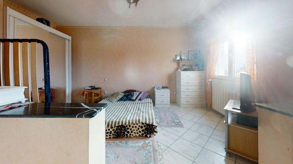 Maison à vendre 6 184m2 à Pouilly-sous-Charlieu vignette-9