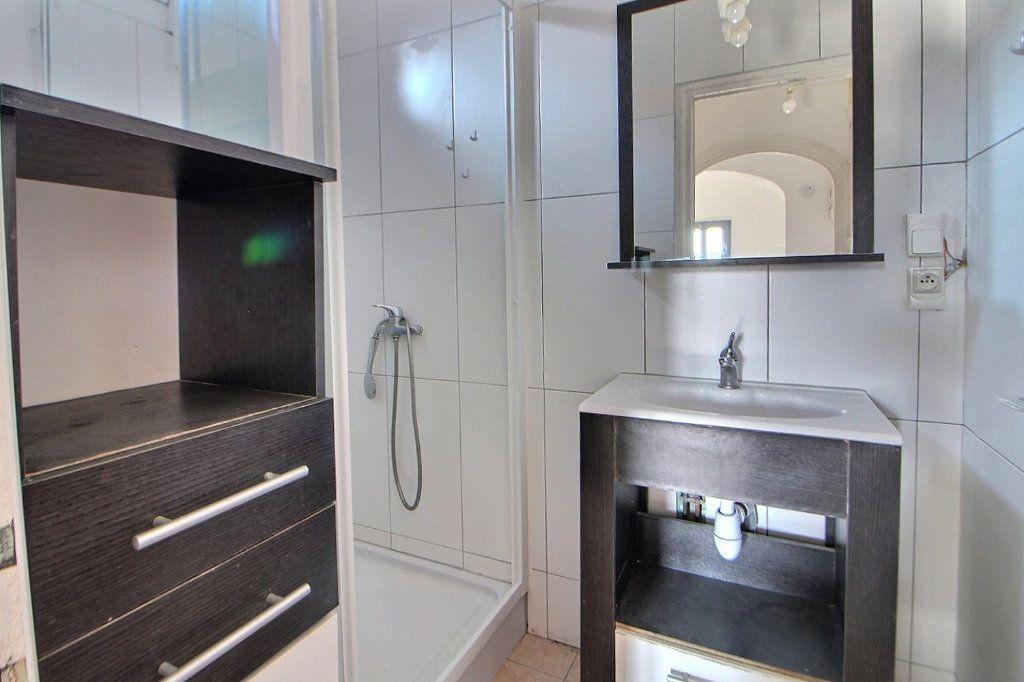 Appartement à louer 4 70m2 à Roanne vignette-7