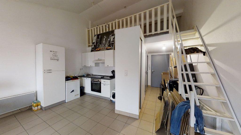 Appartement à louer 2 43.99m2 à Roanne vignette-2