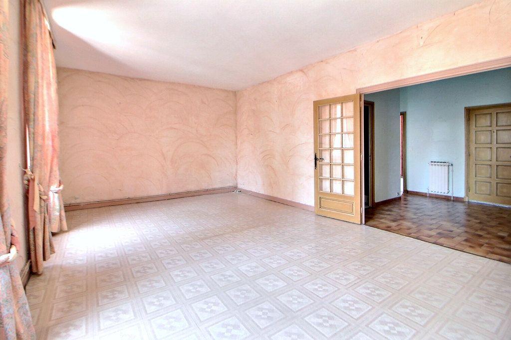 Appartement à vendre 4 90.75m2 à Roanne vignette-2