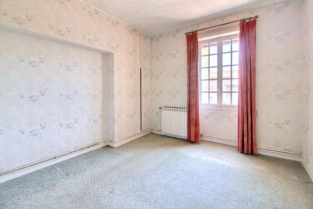 Appartement à vendre 4 90.75m2 à Roanne vignette-4