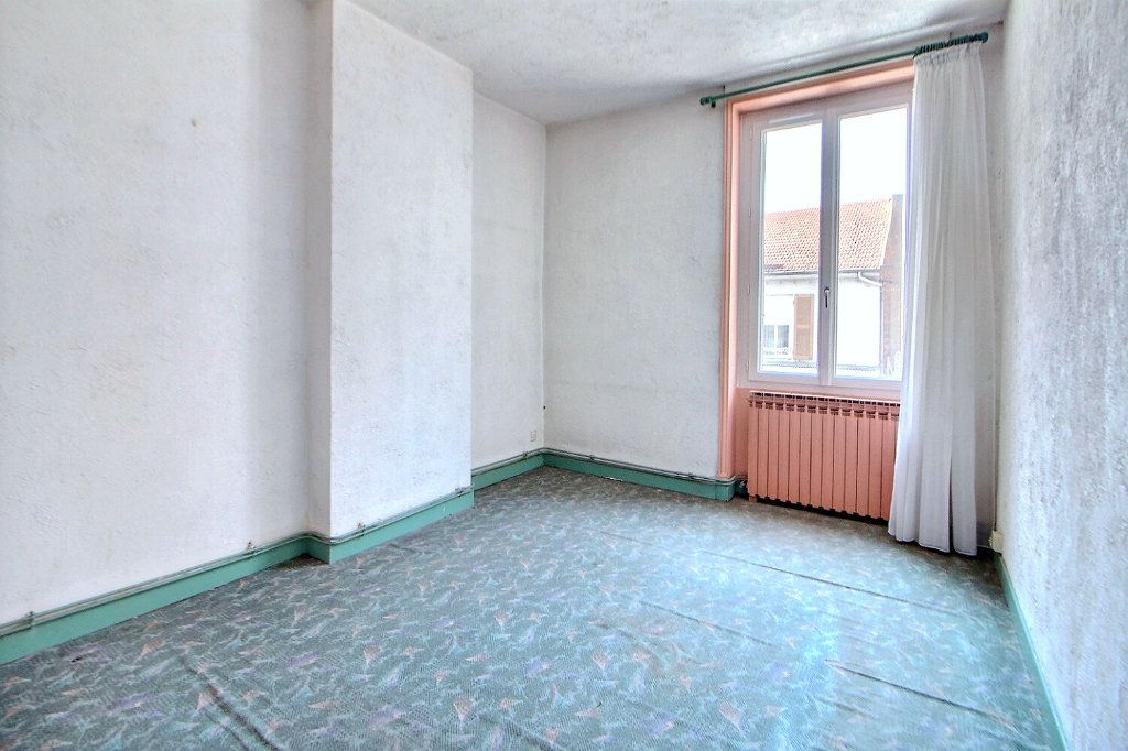 Appartement à vendre 4 90.75m2 à Roanne vignette-5