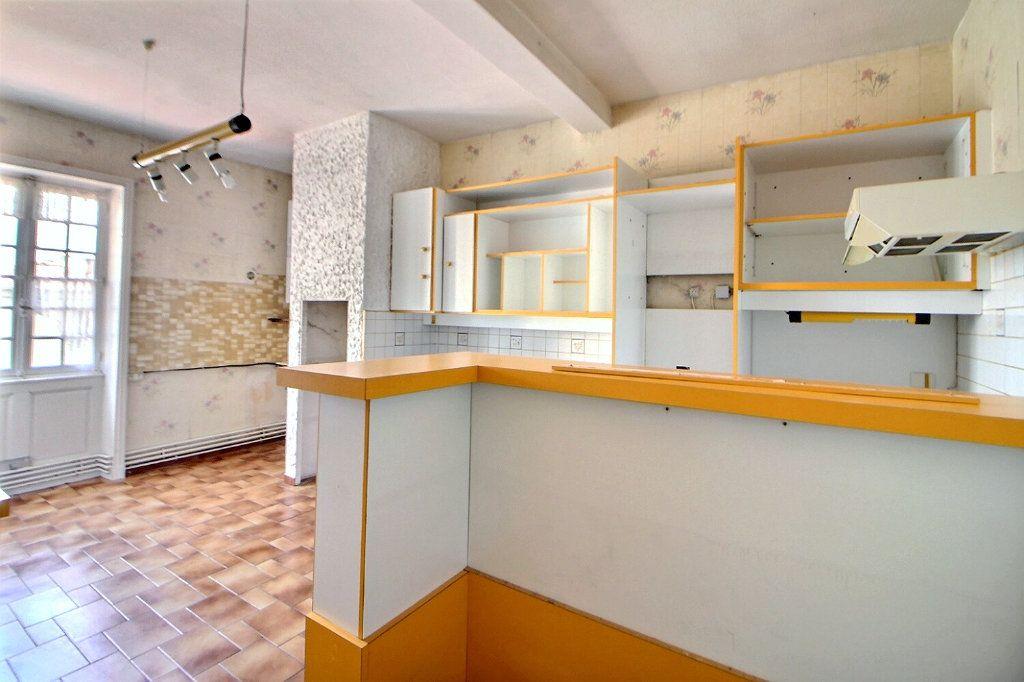 Appartement à vendre 4 90.75m2 à Roanne vignette-8