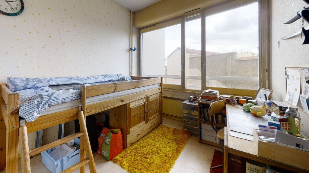Appartement à vendre 5 100m2 à Roanne vignette-5