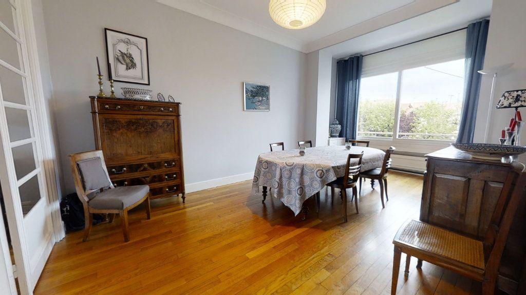 Maison à vendre 8 223.72m2 à Roanne vignette-3