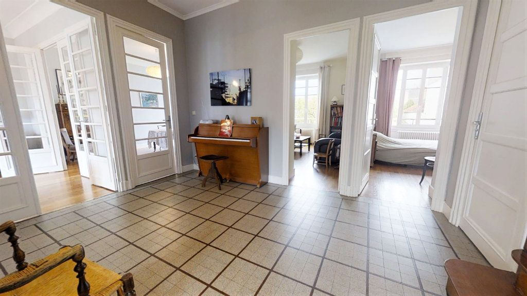 Maison à vendre 8 223.72m2 à Roanne vignette-5