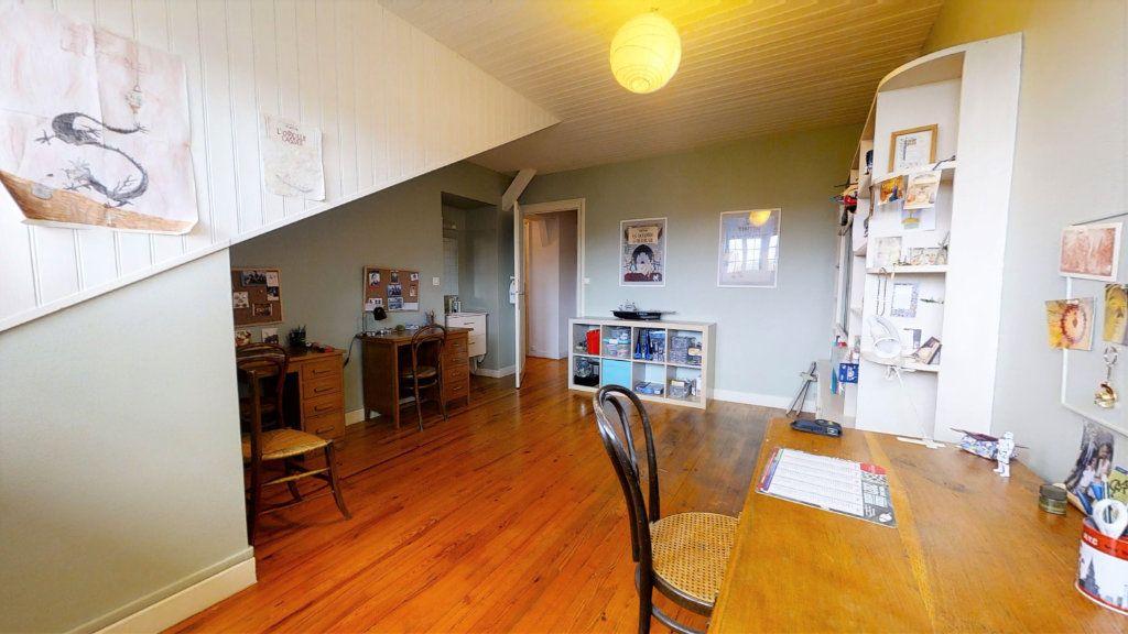 Maison à vendre 8 223.72m2 à Roanne vignette-12