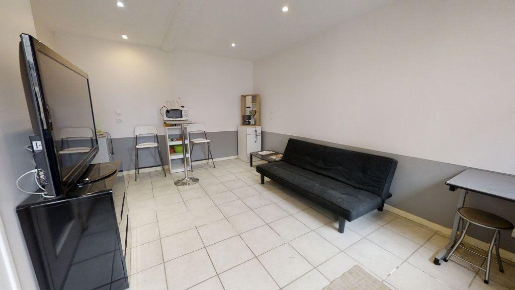 Appartement à louer 1 20m2 à Roanne vignette-1