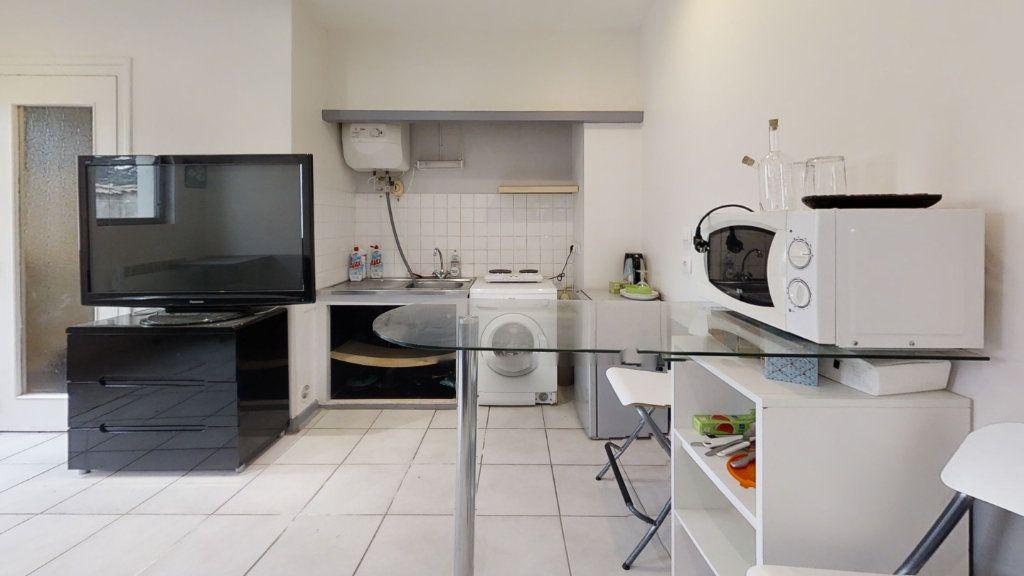 Appartement à louer 1 20m2 à Roanne vignette-3