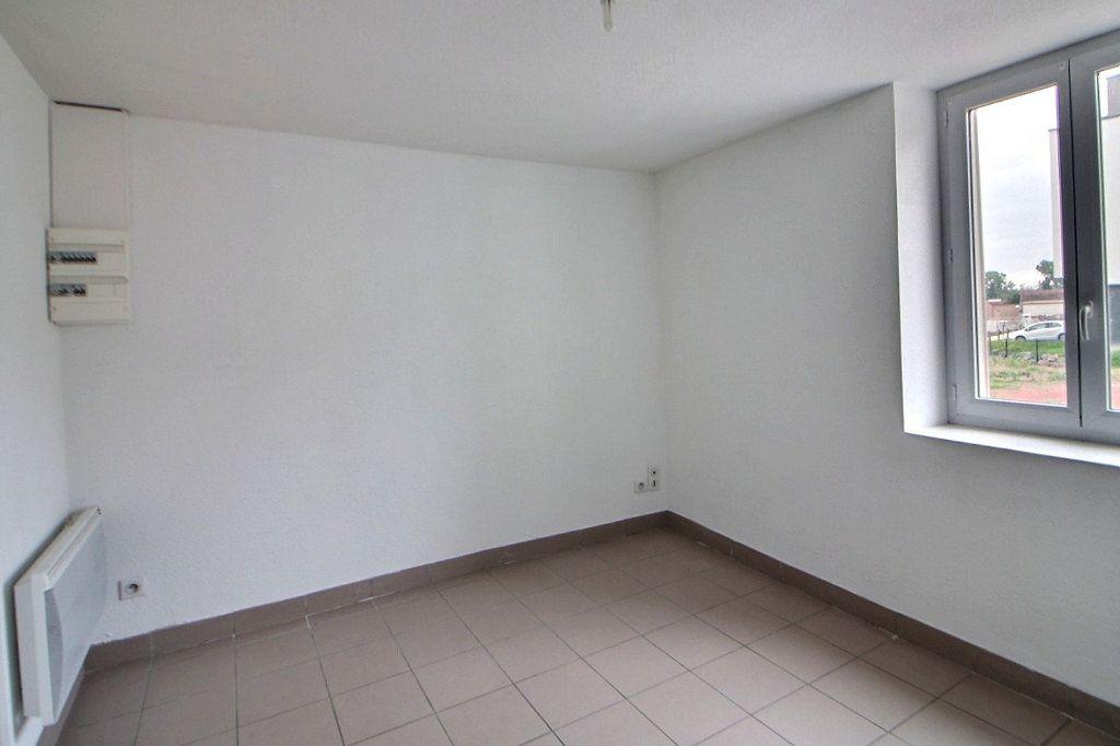 Appartement à louer 1 16.29m2 à Roanne vignette-2