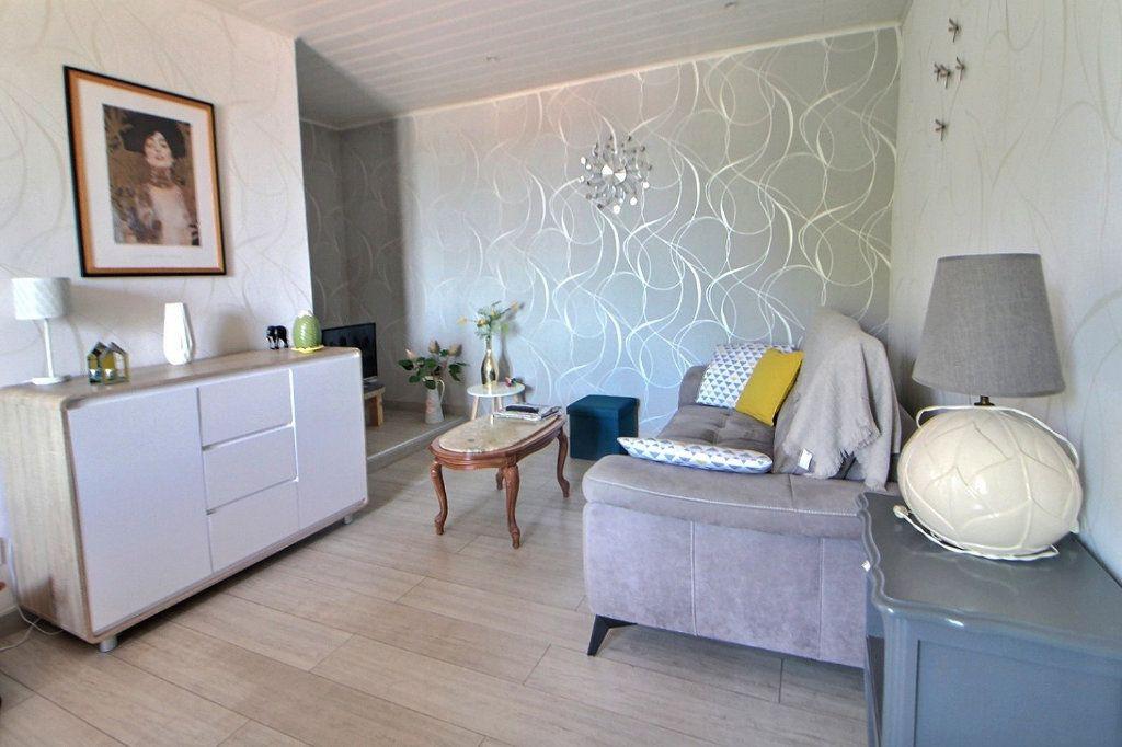 Appartement à louer 2 46m2 à Lentigny vignette-1