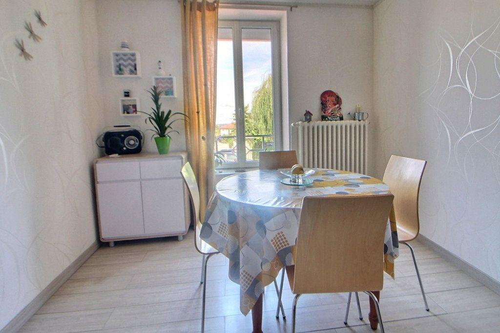 Appartement à louer 2 46m2 à Lentigny vignette-2