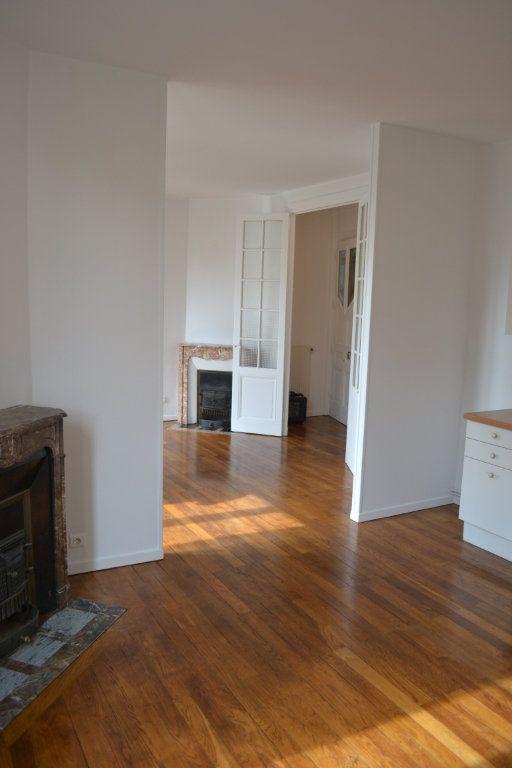 Appartement à louer 3 68.15m2 à Roanne vignette-4