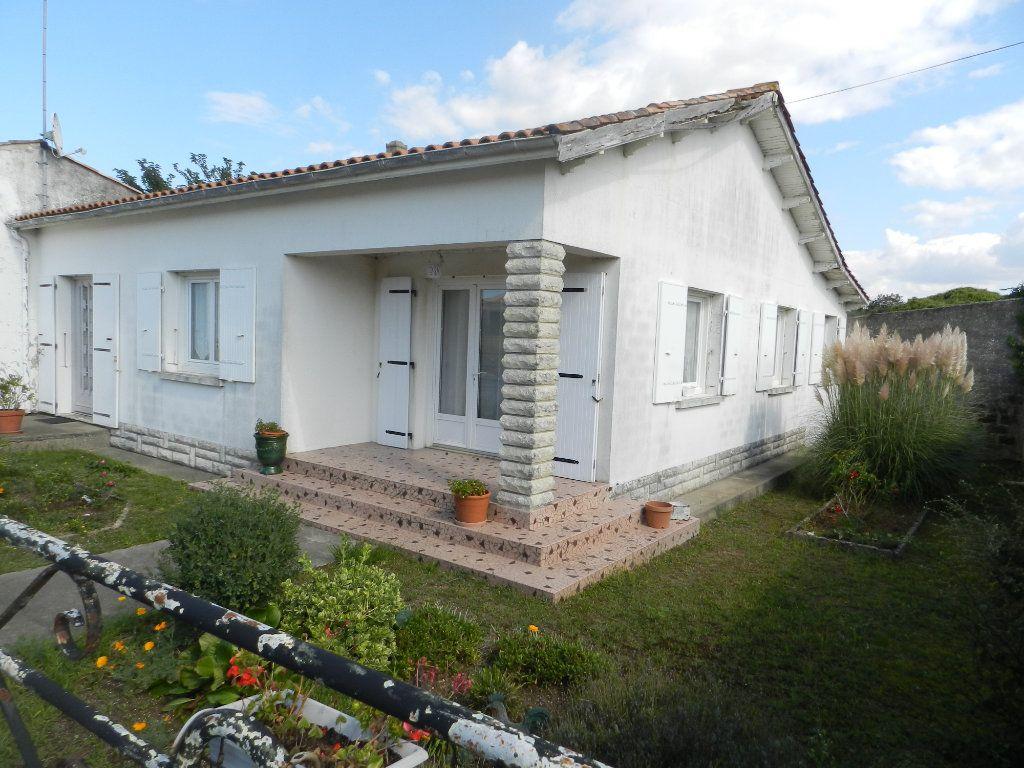 Maison à vendre 4 86m2 à Saint-Pierre-d'Oléron vignette-3