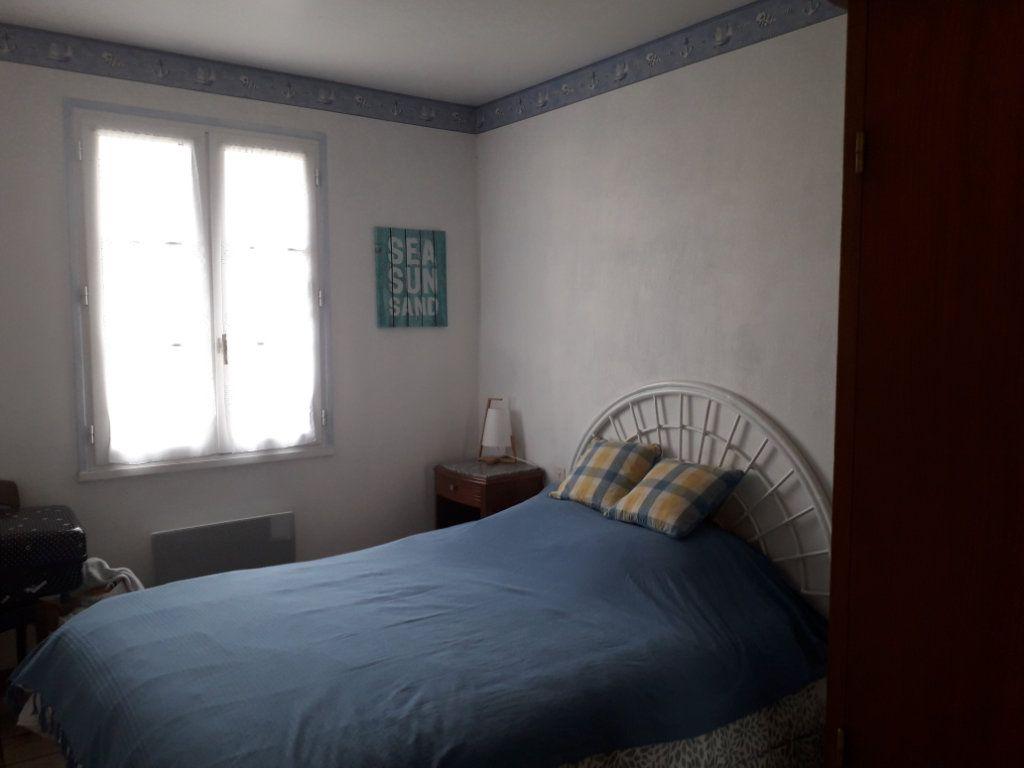 Maison à vendre 3 50m2 à Saint-Pierre-d'Oléron vignette-5