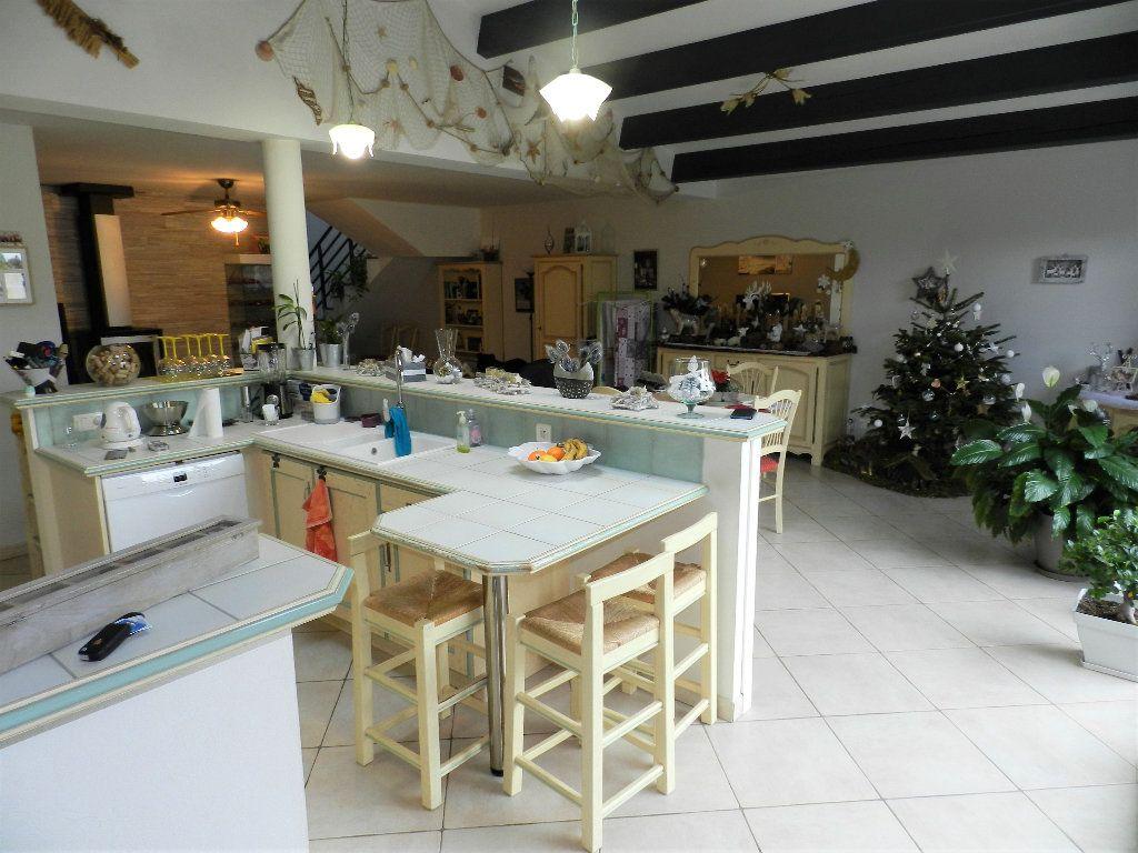 Maison à vendre 5 170m2 à Dolus-d'Oléron vignette-7