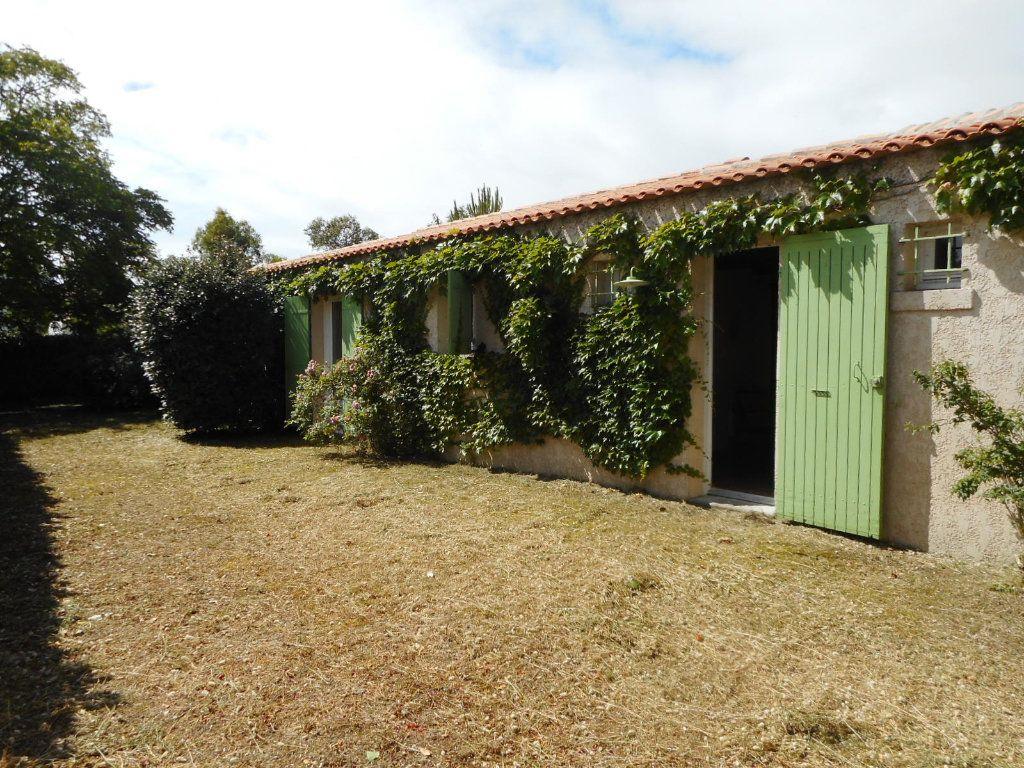 Maison à vendre 9 163m2 à Saint-Georges-d'Oléron vignette-2