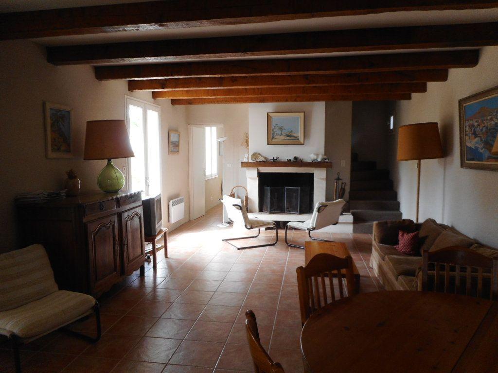 Maison à vendre 9 163m2 à Saint-Georges-d'Oléron vignette-7