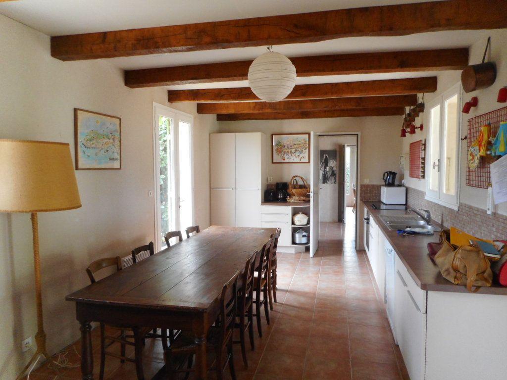 Maison à vendre 9 163m2 à Saint-Georges-d'Oléron vignette-8