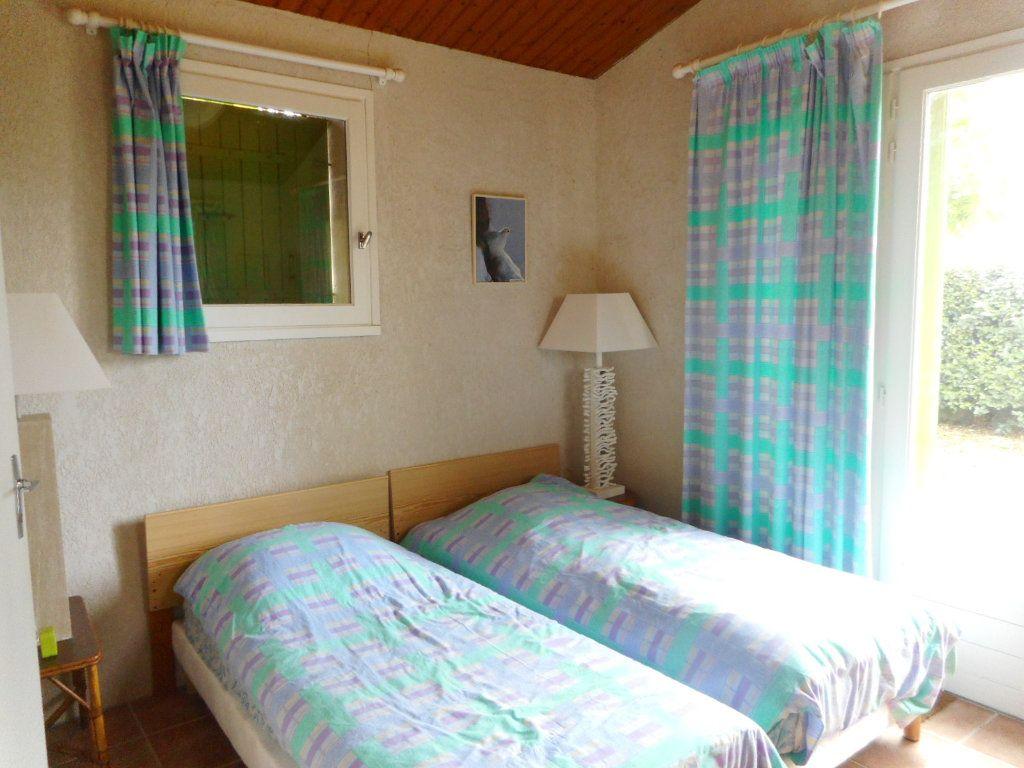 Maison à vendre 9 163m2 à Saint-Georges-d'Oléron vignette-10