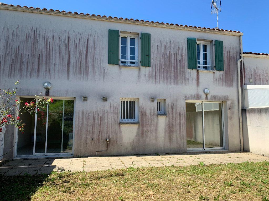 Maison à vendre 4 83m2 à Saint-Pierre-d'Oléron vignette-2