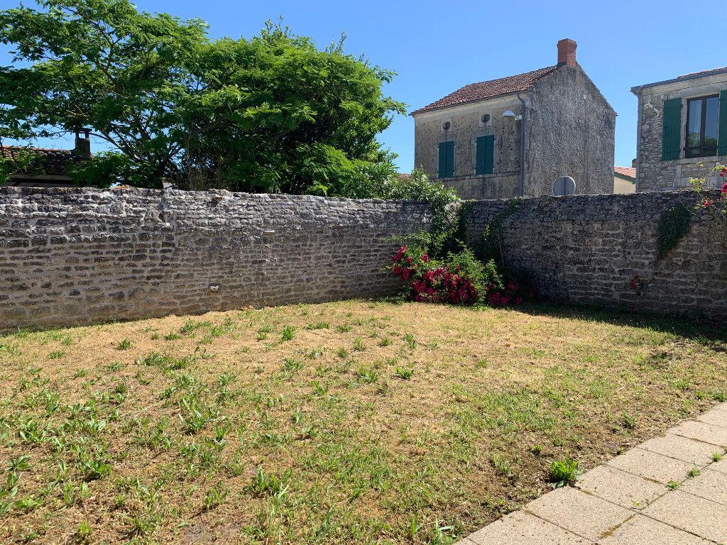 Maison à vendre 4 83m2 à Saint-Pierre-d'Oléron vignette-3