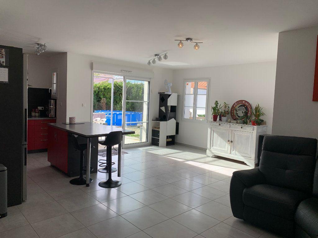 Maison à vendre 5 108m2 à Saint-Pierre-d'Oléron vignette-6