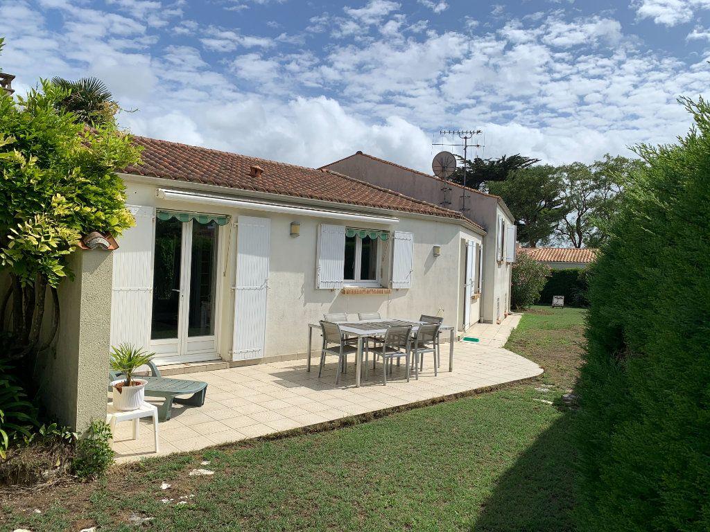Maison à vendre 7 190m2 à Le Château-d'Oléron vignette-3