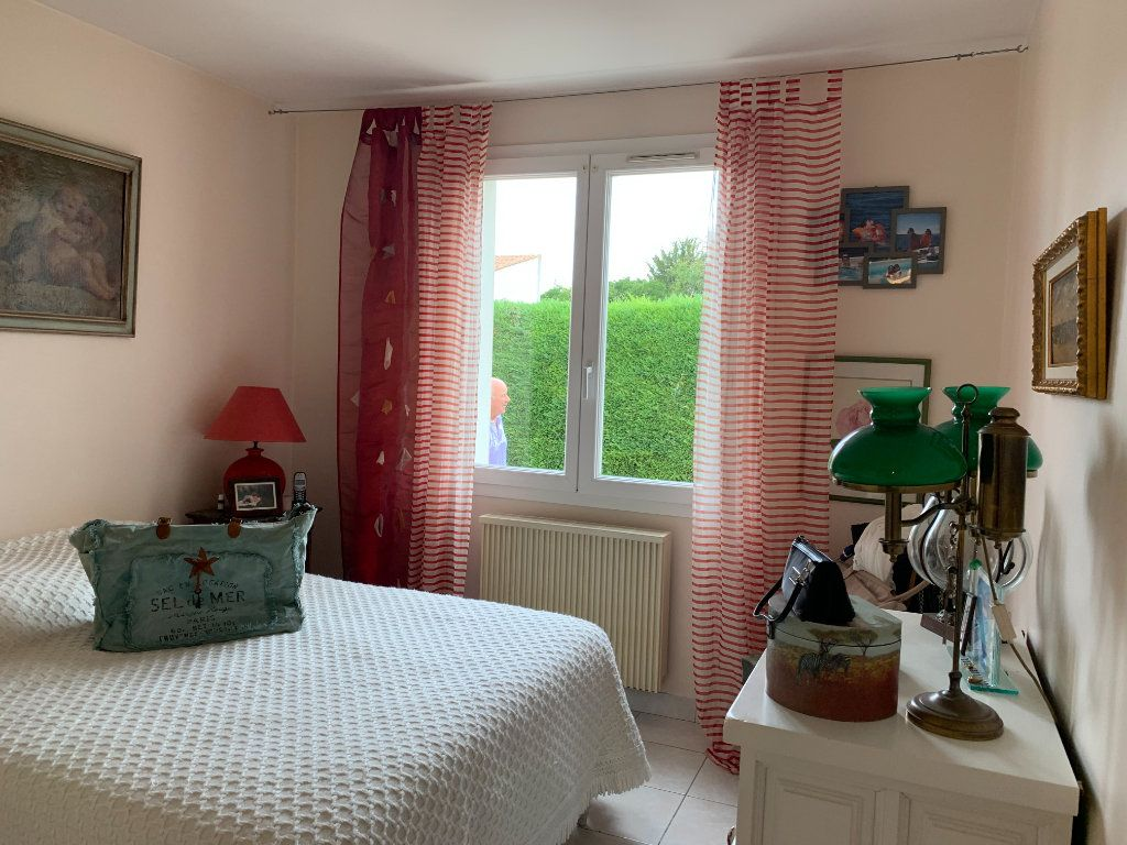 Maison à vendre 7 190m2 à Le Château-d'Oléron vignette-5