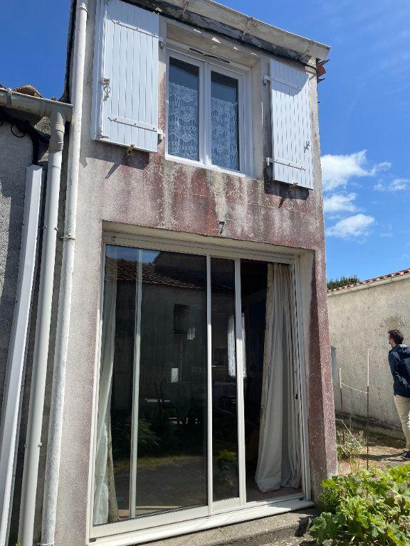 Maison à vendre 3 64.2m2 à Le Château-d'Oléron vignette-2
